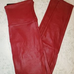 SPANX EUC Red faux leather leggings SOLD OUT